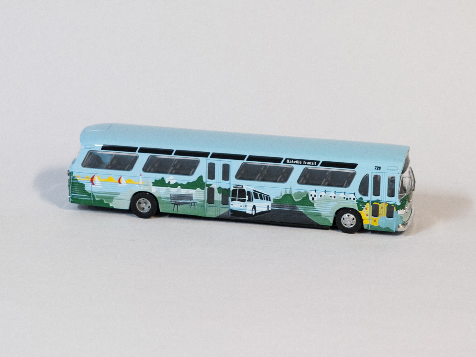 "Busch 44530 H0 Amerikanischer Bus, Fishbowl ""Oakland"""