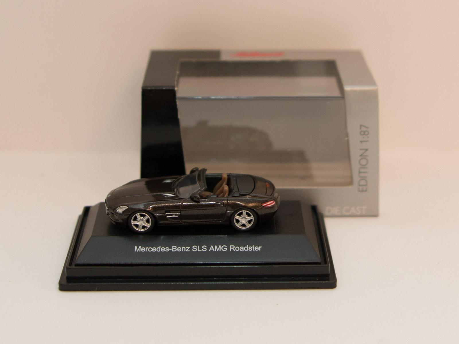 Schuco 452598100  Mercedes-Benz SLS AMG Roadster