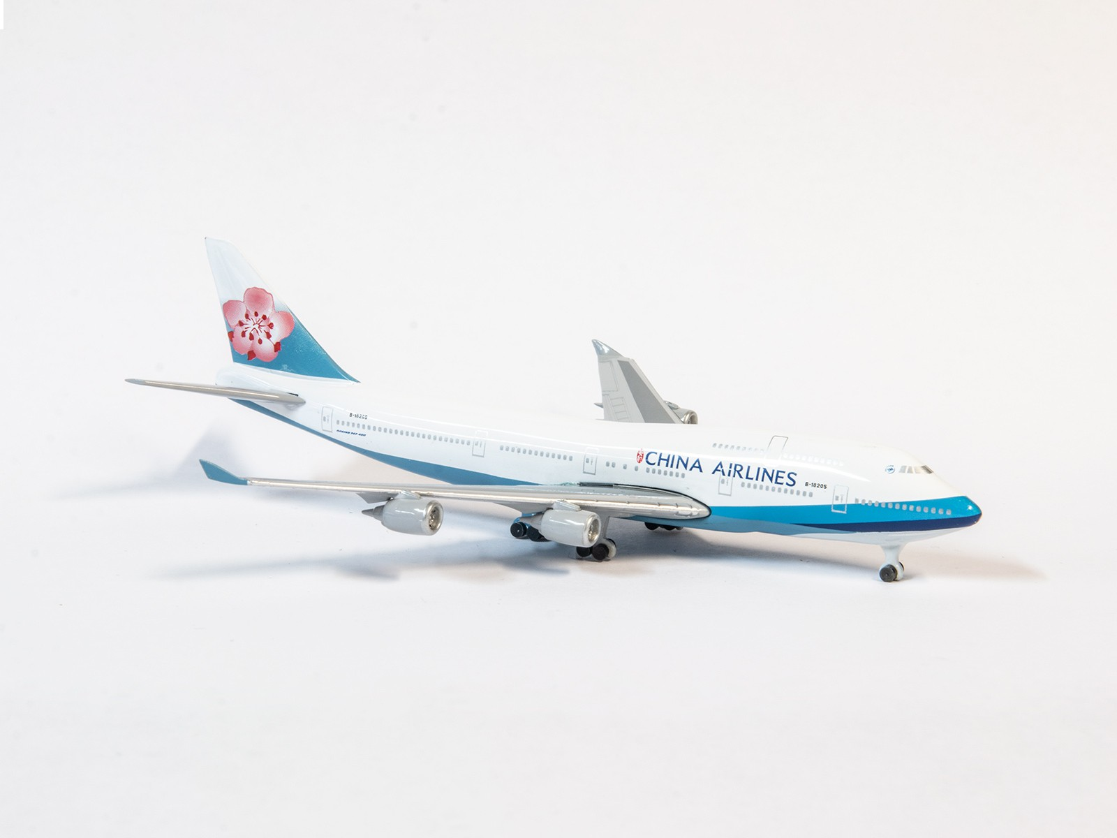 Schuco 55157 Boeing 747 China Airlines  1:600
