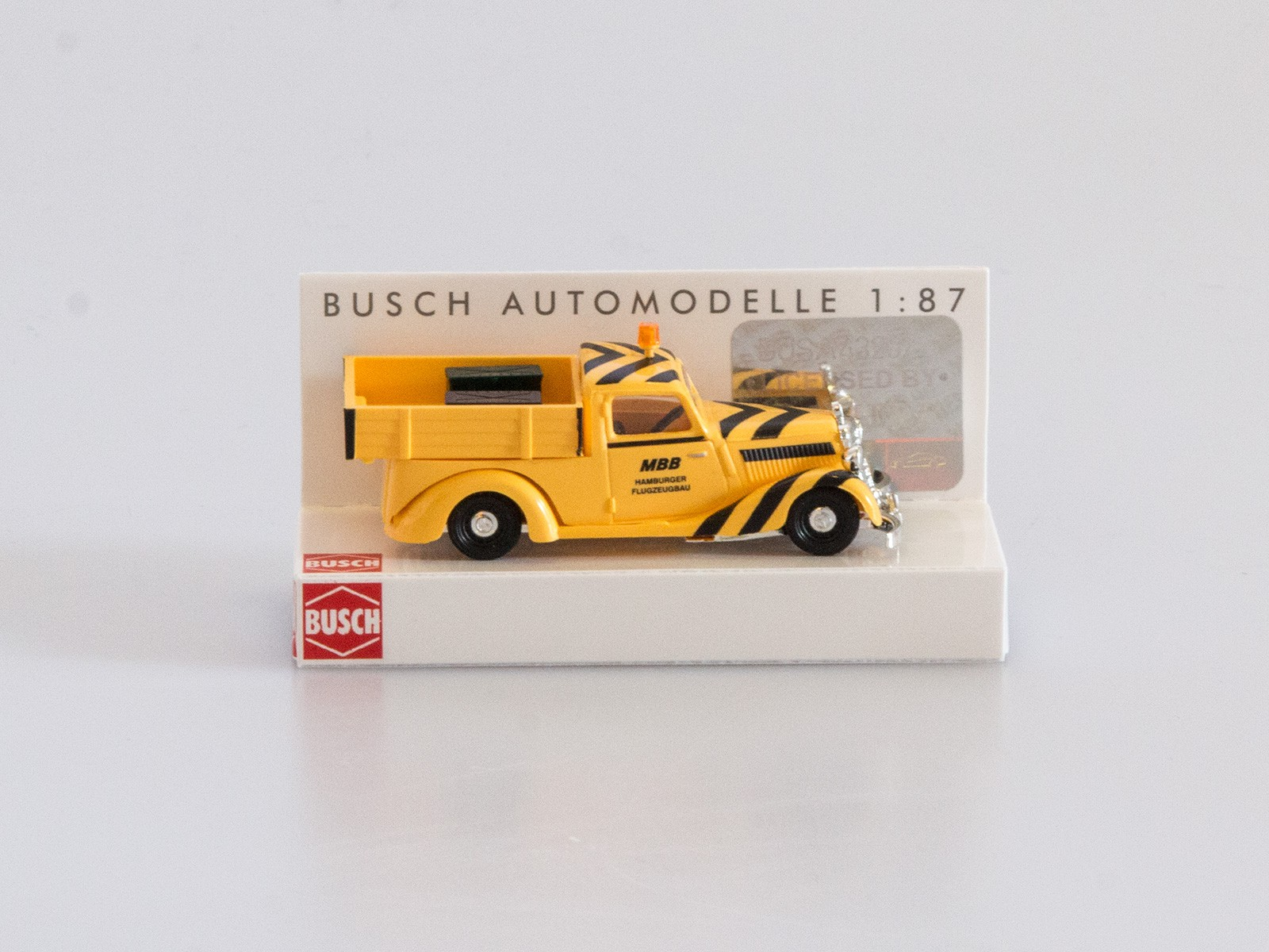 "Busch H0 41504 Mercedes 170 V ""MBB Flugzeugbau"""