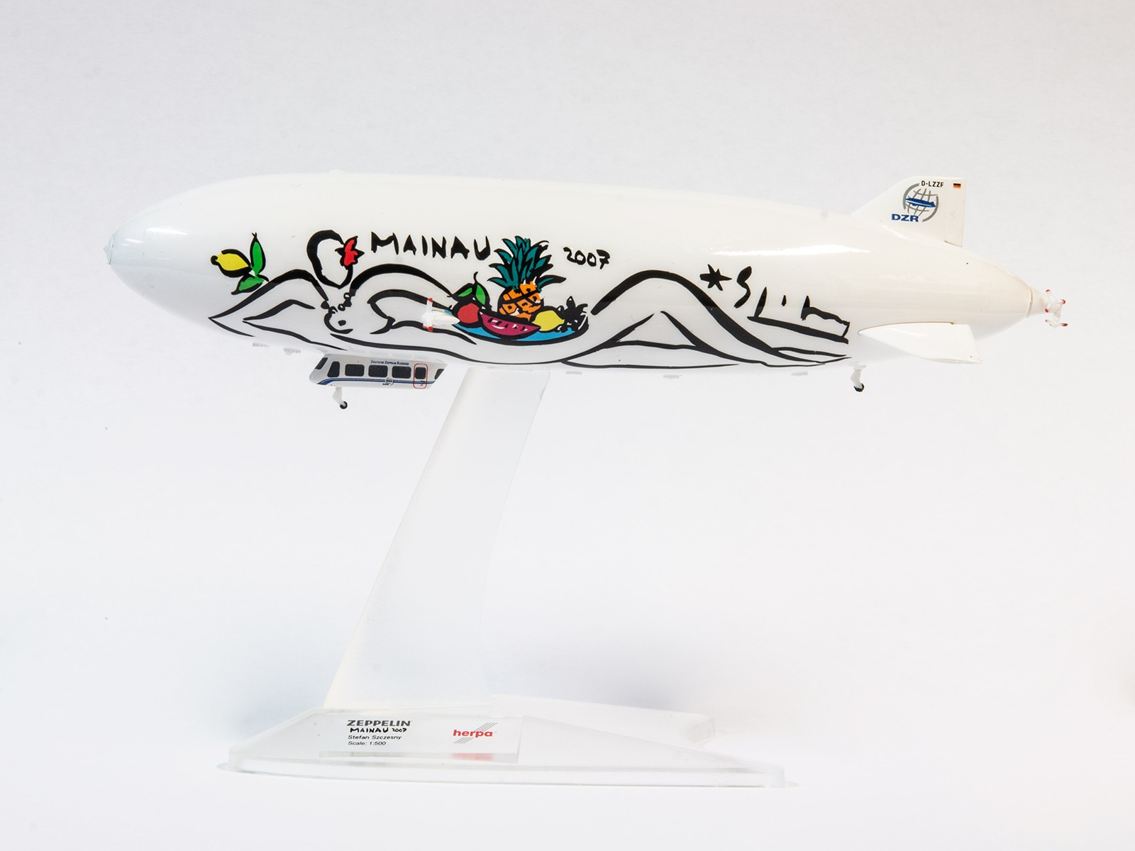 "Herpa Wings 528252 Zeppelin NT ""Mainau"" 1:500"