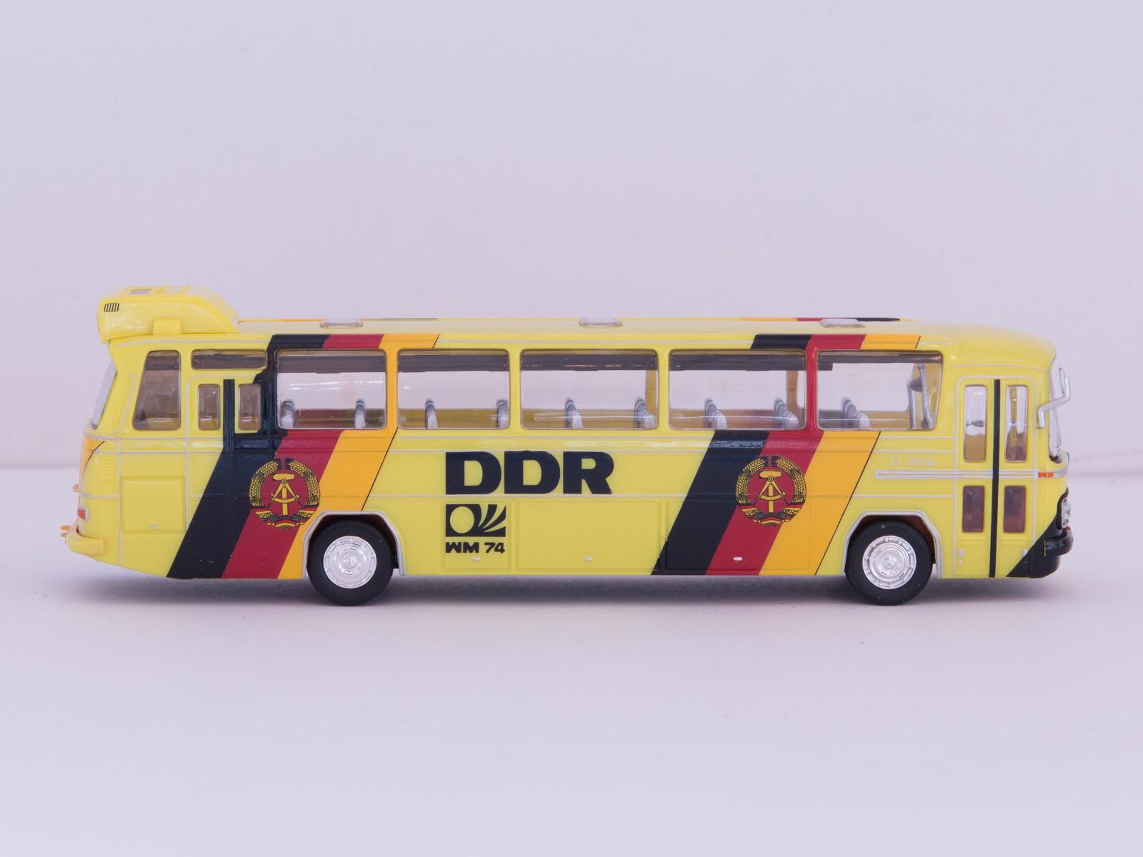 """Schuco 26158 H0 MB O 302 Bus """"WM 1974 DDR"""""""