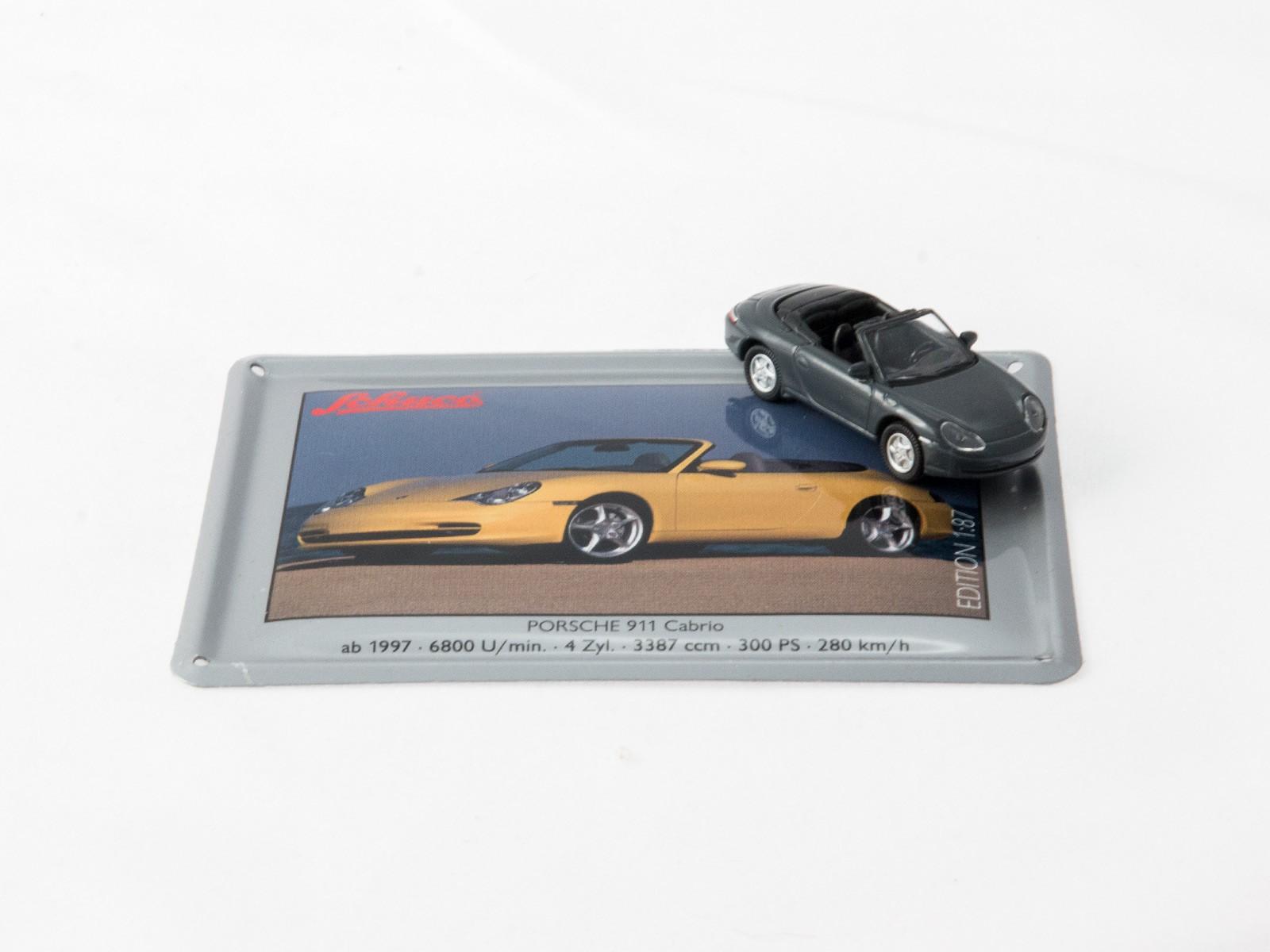Schuco 26932-14 Porsche 911 grau auf Blechkarte