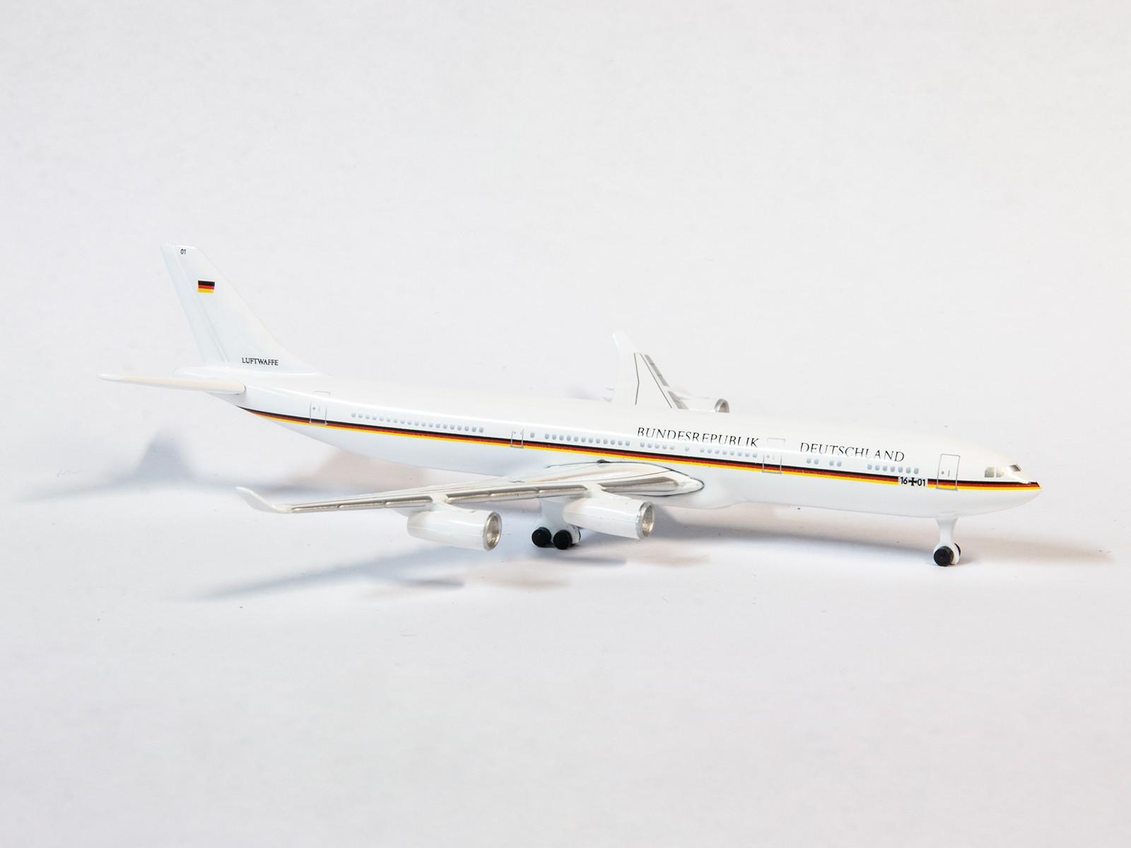 """Schuco 51666 Airbus  A340-300 """"Bundesrepublik Deutschland - Konrad Adenauer"""""""
