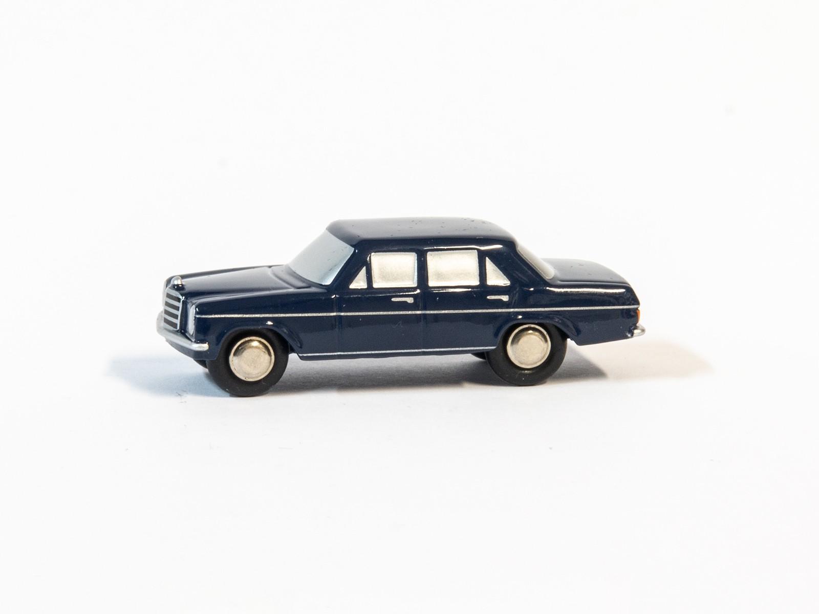 Schuco Piccolo 56950 1:90 Mercedes Benz -/8 Limousine blau