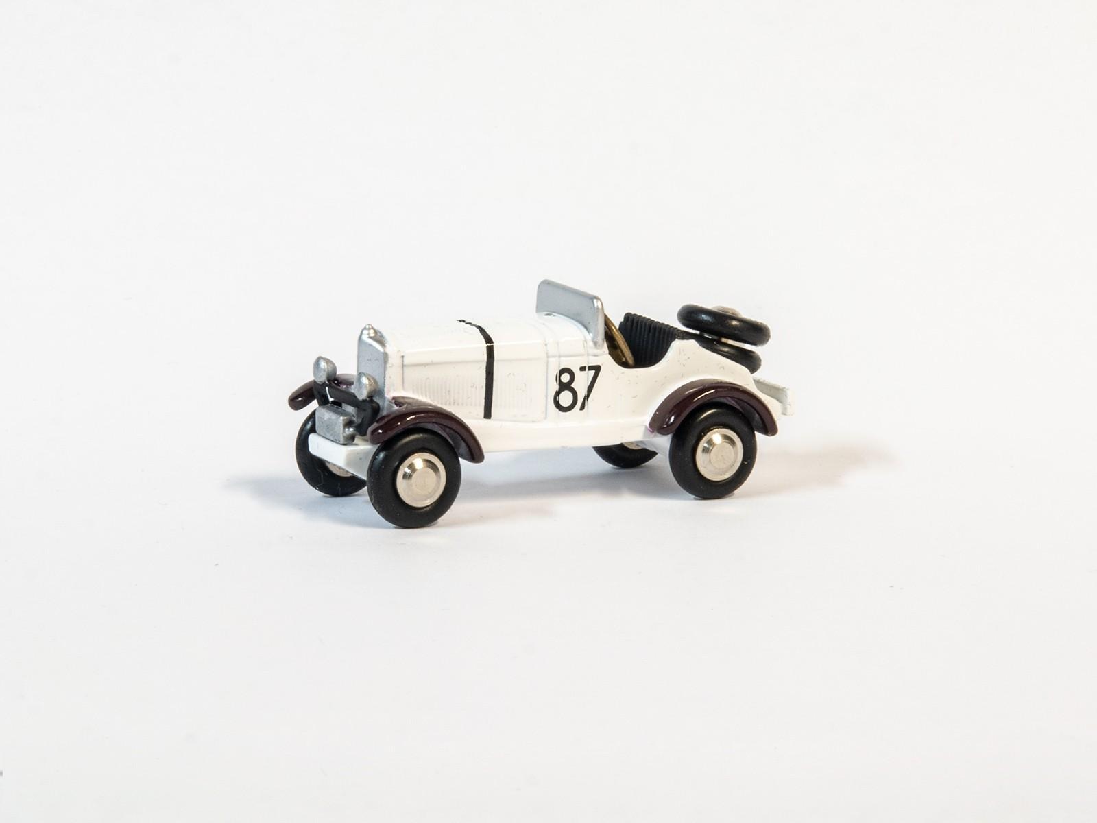 Schuco 450573500 Piccolo Mercedes Benz SSKL #87 Weiß 1:90