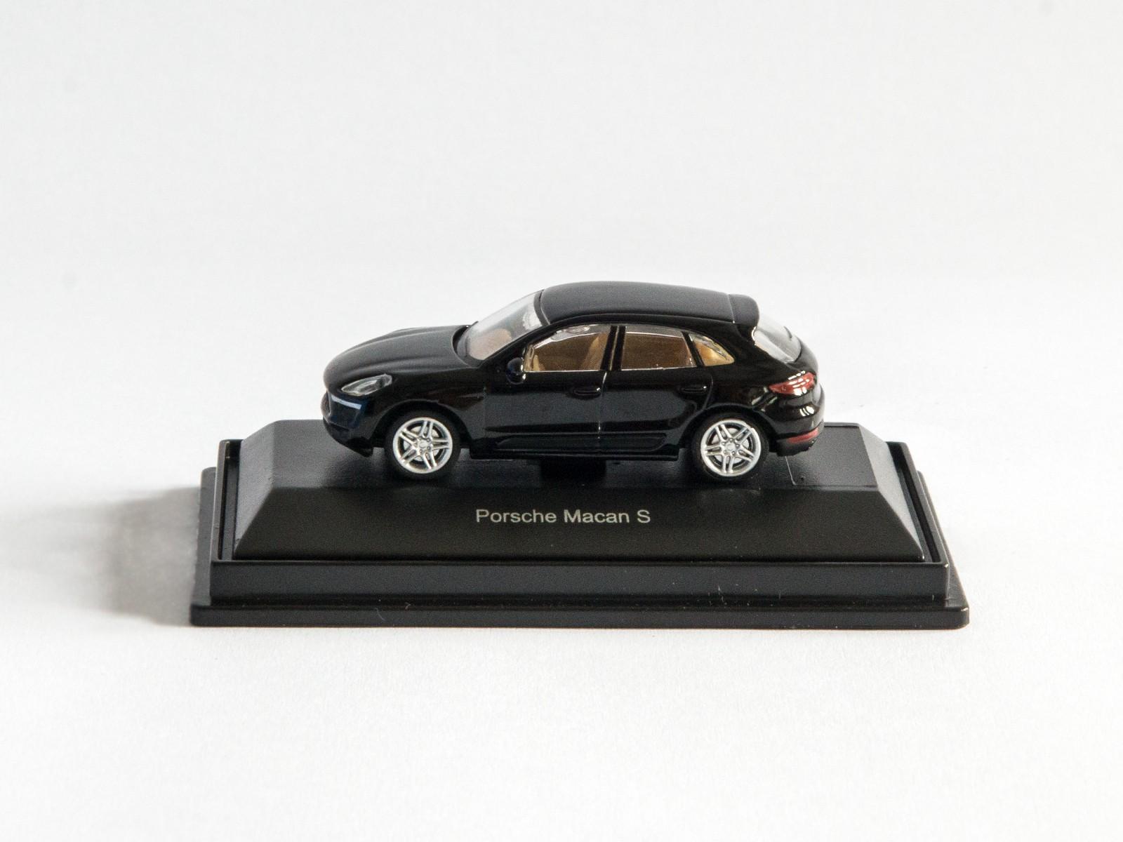 "Schuco 452616300  Porsche Macan S ""schwarz"""