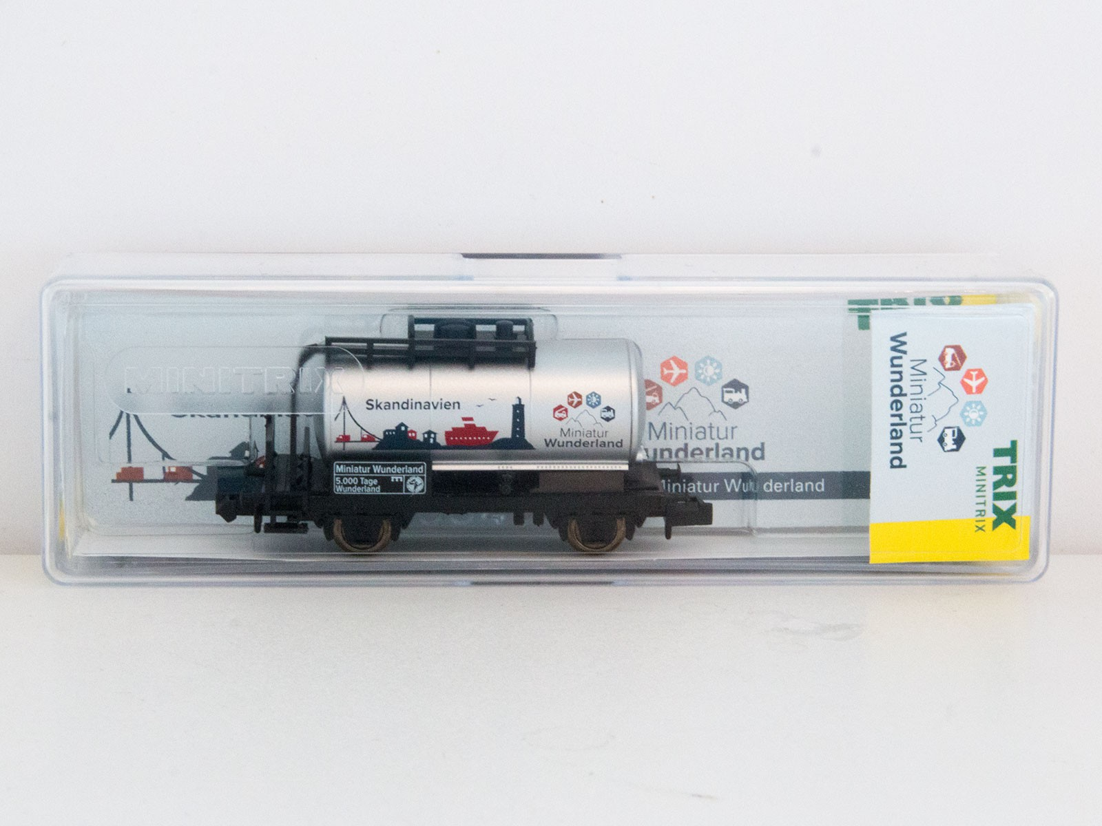 "Special Edition N Minitrix 2015 tankwagon ""5000 Tage Wunderland - Skandinavien"""