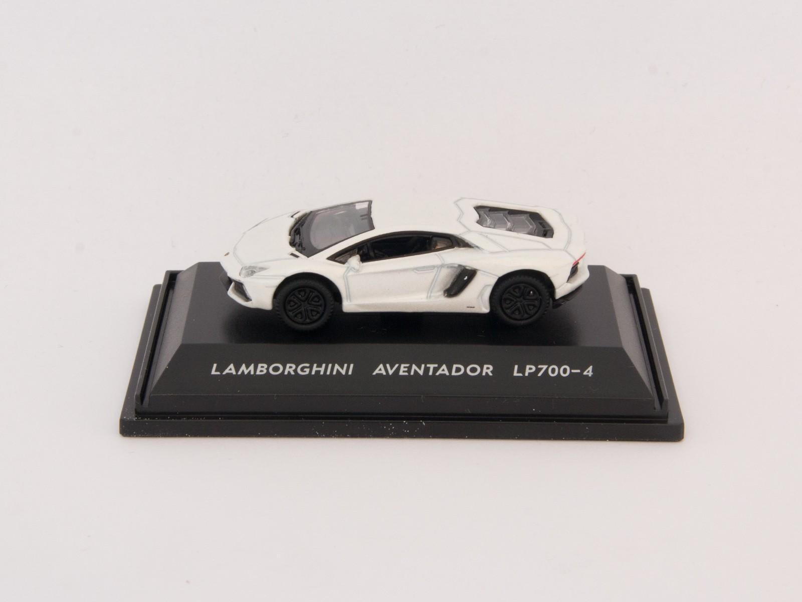 Welly H0 73146 Lamborghini Aventador LP700-4 white